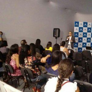 Palestra no Boulevard Shopping Camaçari na 1ª edição do Projeto Profissionalismo em Foco promovido pela Recriarh com o tema Liderança Transformadora